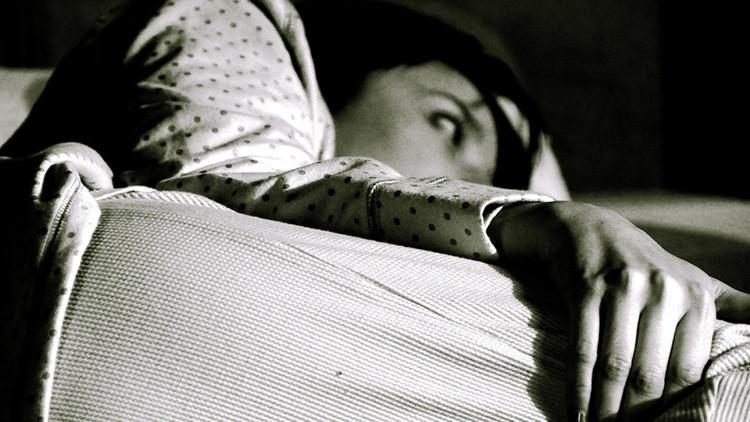 Científicos: Una sola noche en blanco puede alterar nuestros genes