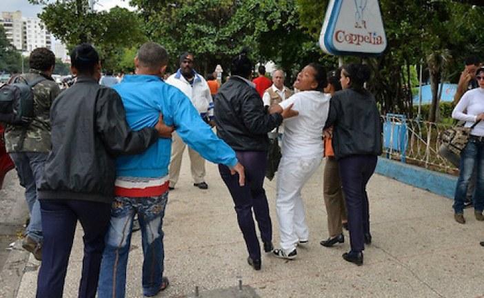 Organización denuncia gobierno de Cuba golpeó y apresó opositores delante del papa Francisco