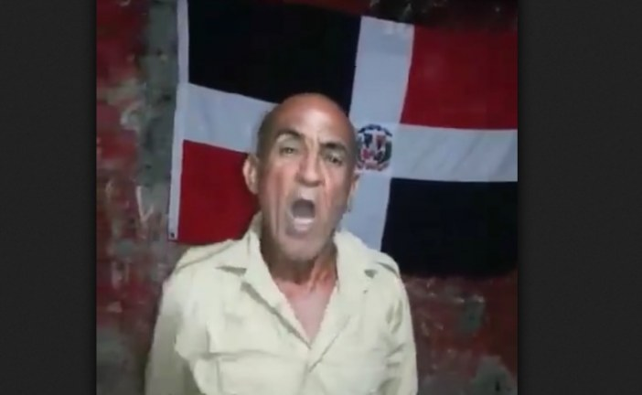 VIDEO – Valoy Valoy acaba con el ex gobernador del seibo (Vivo), Marino Zapete y el presidente de haiti.