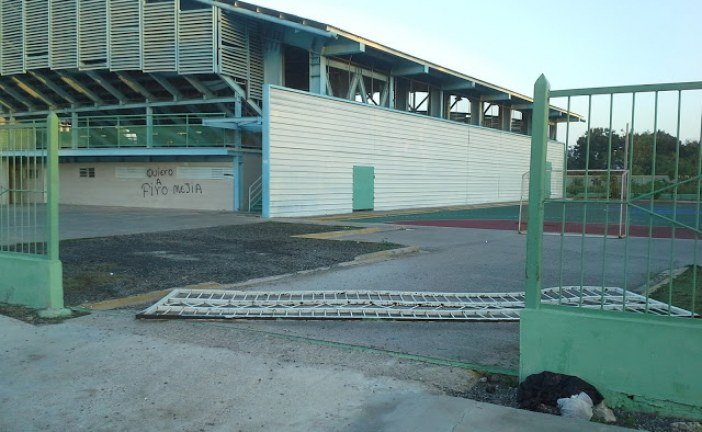 Polideportivo Multi-Uso de El Seibo Arrabalizado y, a Expensa de Los Delincuentes
