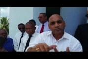 VIDEO – Apresan a un abogado acusado de violar adolescente en El Seibo