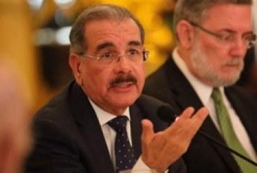 Danilo habló sobre reelección el mismo día en 2014 y en 2018… sus respuestas fueron muy parecidas