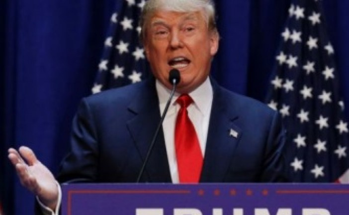"""Trump asegura EE.UU. """"trata mejor a los ilegales que a los veteranos"""""""