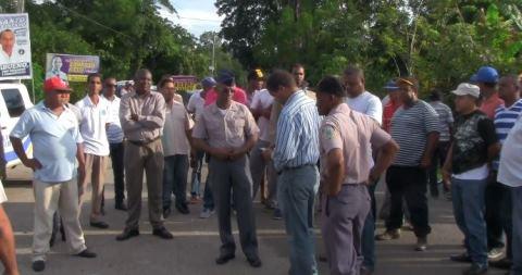 Paralizan labores en Vicentillo de El Seibo en reclamo de carretera