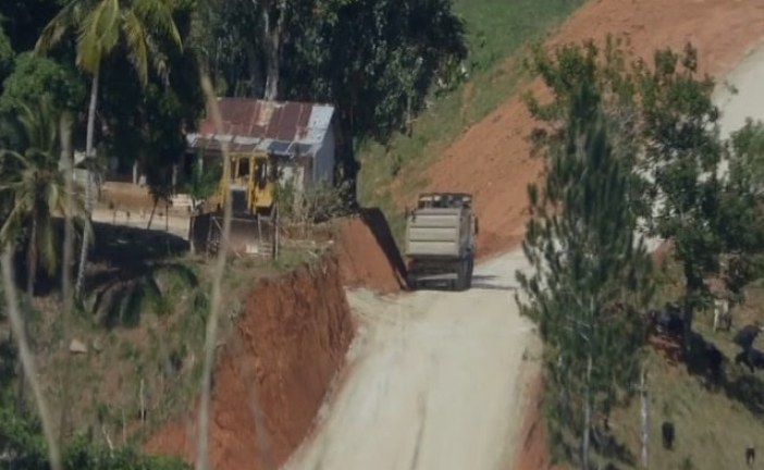 """Presidente del PRM denuncia construyen """"carretera clandestina"""""""